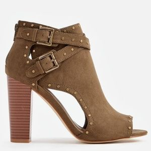 Just Fab Carice Heeled Studded Sandal Size 11
